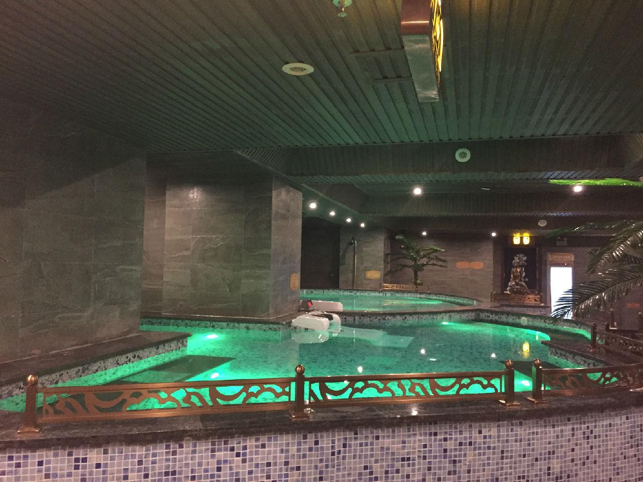 江西吉安新shijieguo际水汇水疗池